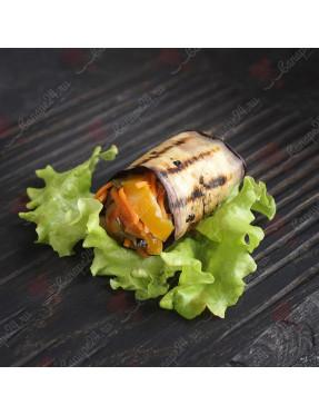 Рулет из баклажанов с овощами